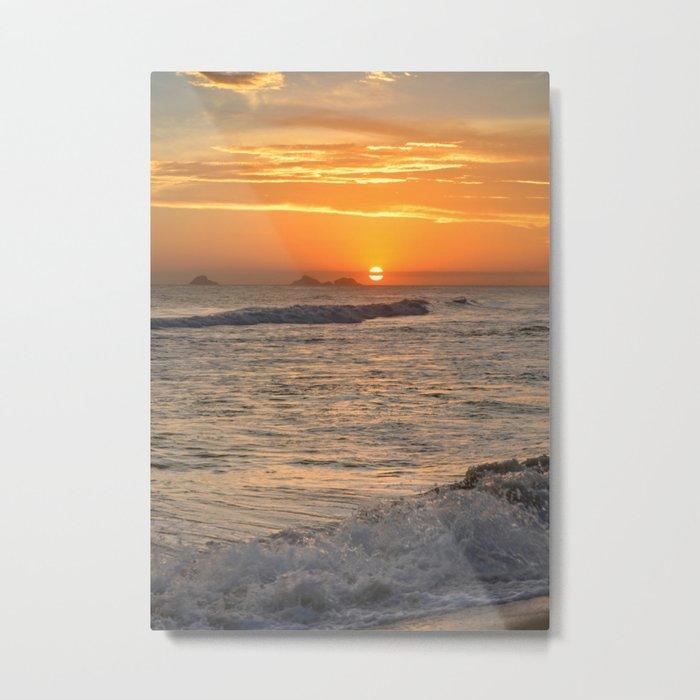 Sunset with crashing waves Metal Print