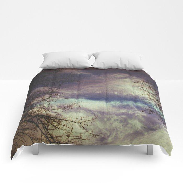 remember autumn Comforters
