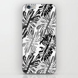 Bark beetle galleries seamless pattern iPhone Skin