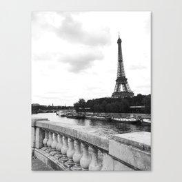 eiffel tower black and w Canvas Print
