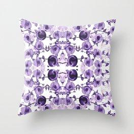 Mustikoita Throw Pillow