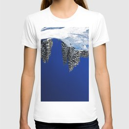 land, sea and her T-shirt