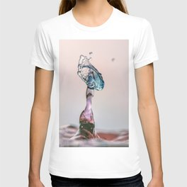 Red and Blue Water drop collision T-shirt
