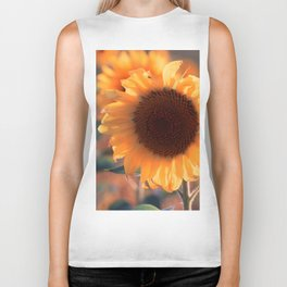 Soon she donates seeds for the birds the sunflower Biker Tank