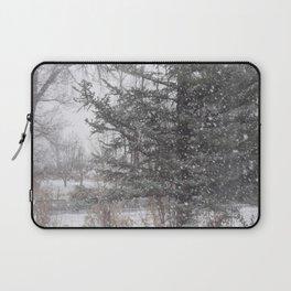 Soft snow falling Laptop Sleeve