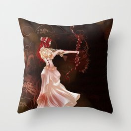 Archère Throw Pillow