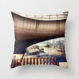 DF Arquitectura Throw Pillow