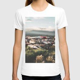 Alaskan Canoe // Storage in the Wilderness for the Adventureous in Spirit T-shirt