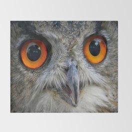Owl Close up Throw Blanket