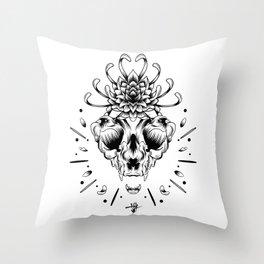 Naturaleza Muerta. Throw Pillow