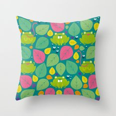 Frogs pattern Throw Pillow