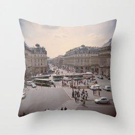 Opéra Throw Pillow