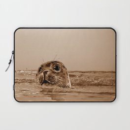 The SEAL - sepia 17 Laptop Sleeve