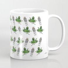 Aliens & Astronauts pattern Mug