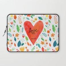 Love never fails Laptop Sleeve