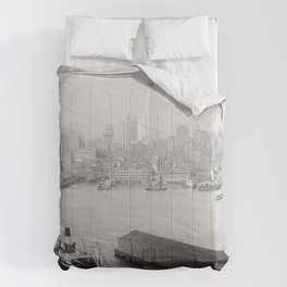 New York skyline from Brooklyn Comforters
