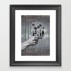 La file  Framed Art Print