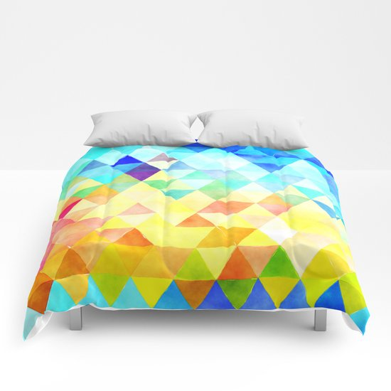Vibrant Triangles Pattern 01 Comforters
