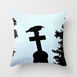 Pere-Lachaise Raven Throw Pillow