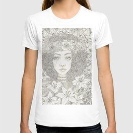 Curls and flowers portrait T-shirt