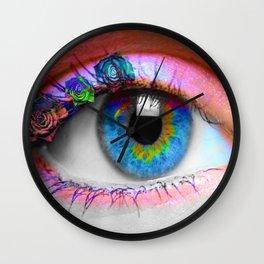 ojo rosado Wall Clock