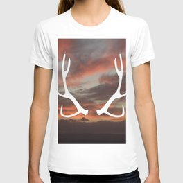 The stag of the North T-shirt