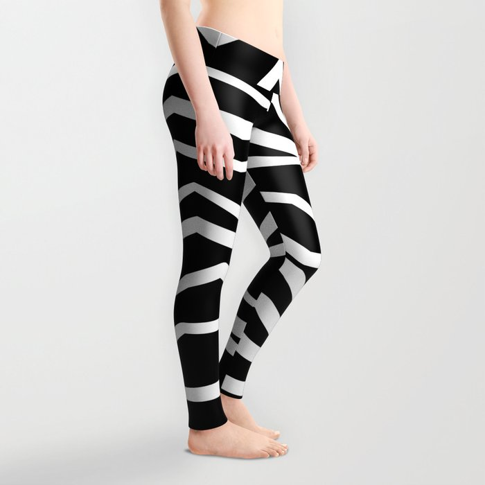 Wavy zig zag lines edgy black and white Leggings