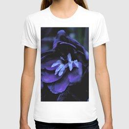 Blue flowers in the dark T-shirt