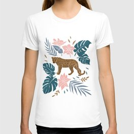 Leopard is in the jungle-Green and pink T-shirt