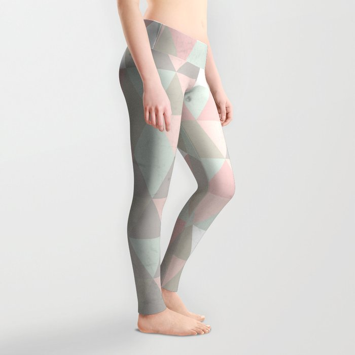 Shabby chic triangles Leggings