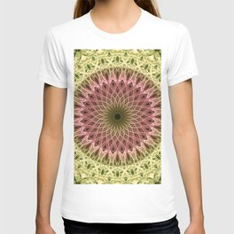 Detailed mandala in gold and red ones T-shirt