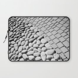 BLACK AND WHITE 9 Laptop Sleeve