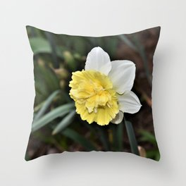 New Spring Daffodil Throw Pillow