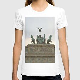 Victory, Brandenburger Gate statue Berlin T-shirt