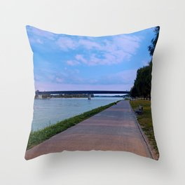 Esplanade on the banks of the river | waterscape photography Throw Pillow