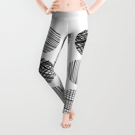 Abstract Lines Circles in Black and White Leggings