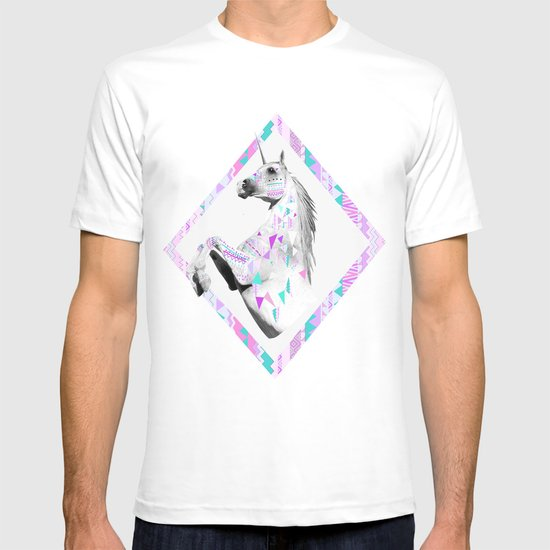 ▲TWIN SHADOW ▲by Vasare Nar and Kris Tate  T-shirt