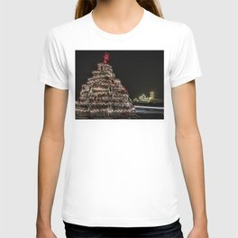 Lobster trap tree at the Nubble Lighthouse T-shirt