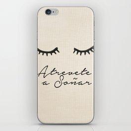 Soñar iPhone Skin