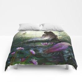 Little mermaid - Lonley siren watching kissing couple Comforters