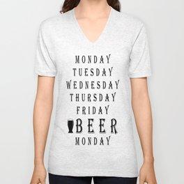 tuesday  - I love beer Unisex V-Neck