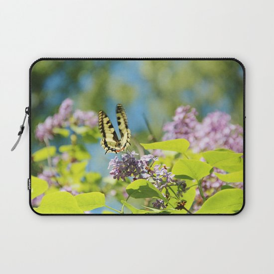Flying swallowtail Laptop Sleeve