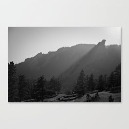 Flatiron Rays Canvas Print