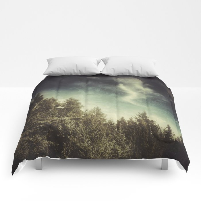 SPIRITS OF THE NORTH WOODS Comforters