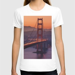 Golden_Gate_Bridge_20170801_by_JAMFoto T-shirt