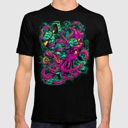 GORILLA VS. ARCHITEUTHIS T-shirt