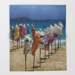 Beach bodies Throw Blanket