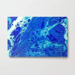 AN ABSTRACT PATTERN IN THE BLUE WATER SURFACE Metal Print