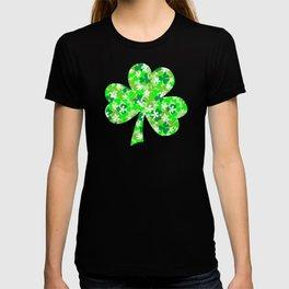 St Patrick's Day Shamrocks Pattern T-shirt