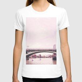 Pink mood at Triana Bridge T-shirt